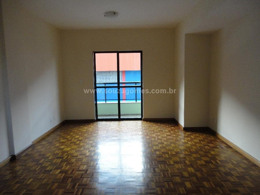 Souza Gomes Aluga Apartamento 1 quarto sala 2 ambientes grande com varanda, c -> Armario De Banheiro Em Juiz De Fora